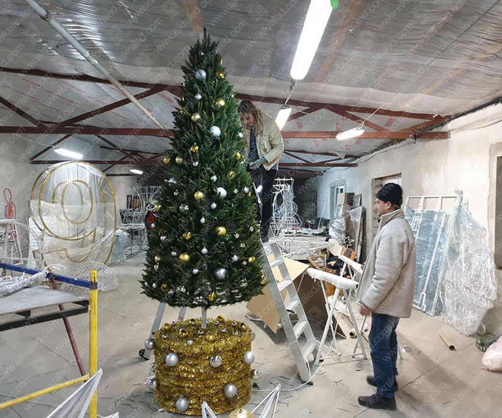 Светодиодная елка Лесная озорница